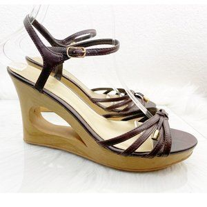 Qupid Size 8 strappy toe, cut out wedge